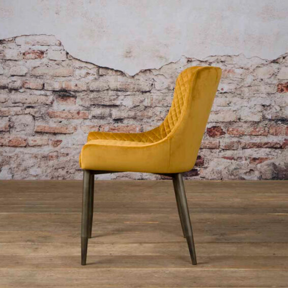 Tower Living Eetkamerstoel 'Oledo' Velvet - Buvel 68 yellow